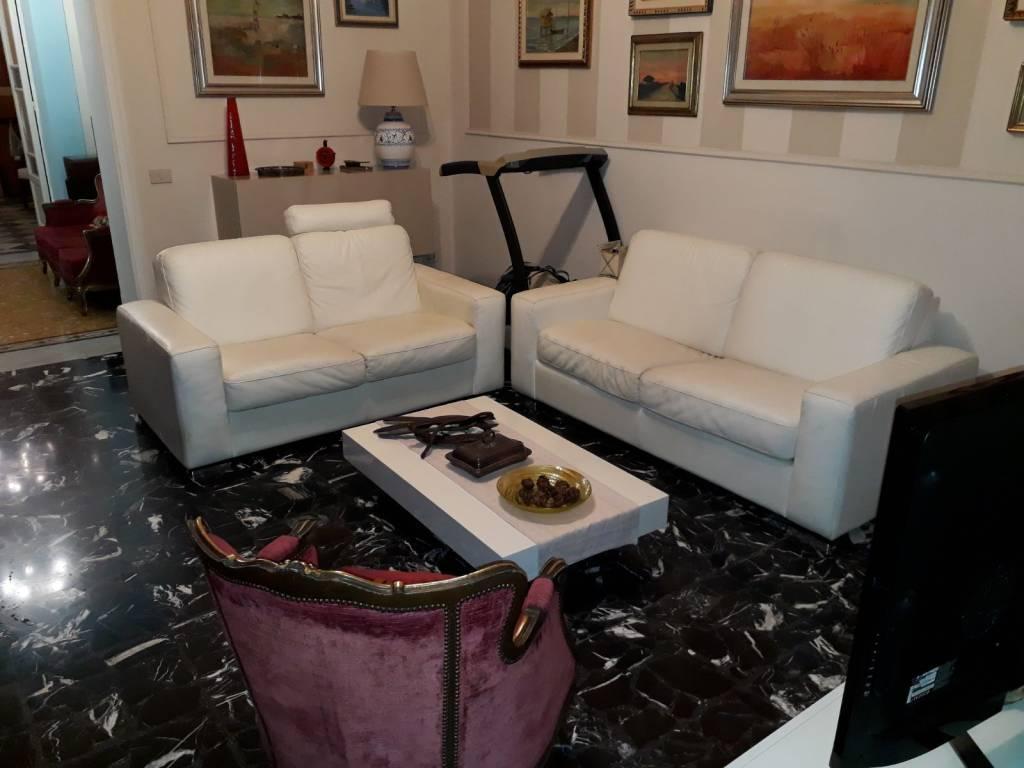 Villa in Vendita a Livorno Semicentro: 5 locali, 190 mq