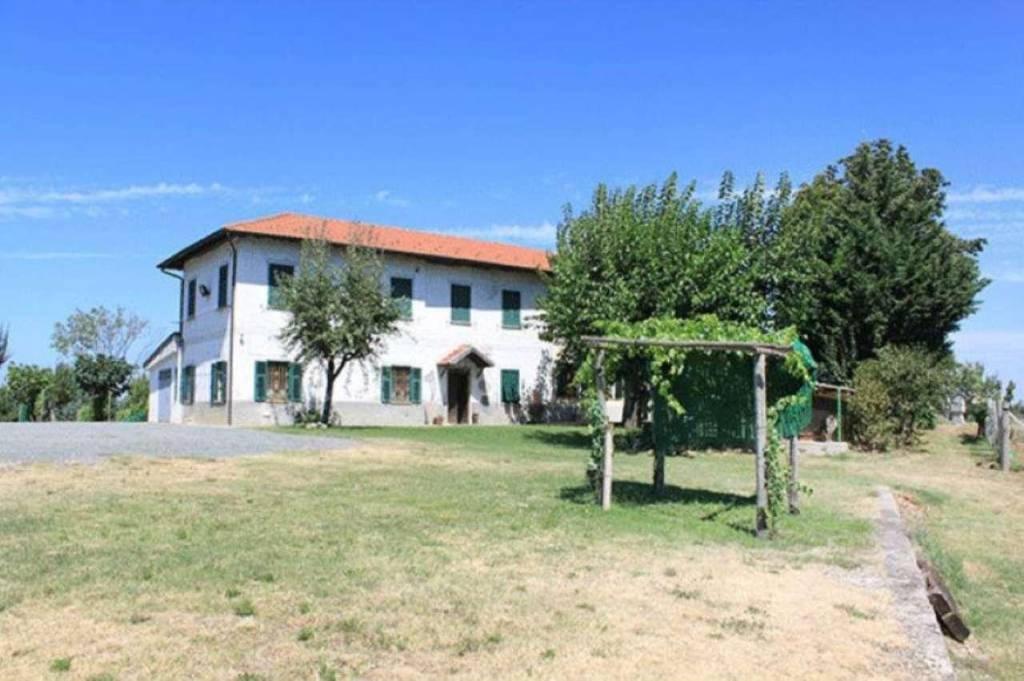 Soluzione Indipendente in vendita a Rocca Grimalda, 10 locali, prezzo € 700.000 | CambioCasa.it