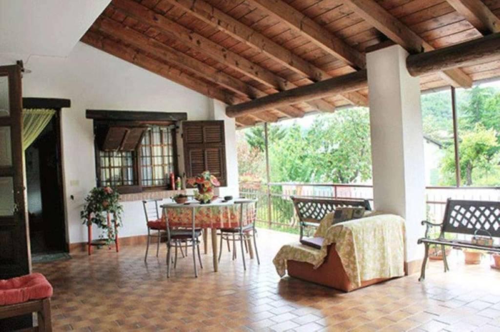 Appartamento in vendita a Casaleggio Boiro, 6 locali, prezzo € 90.000 | CambioCasa.it