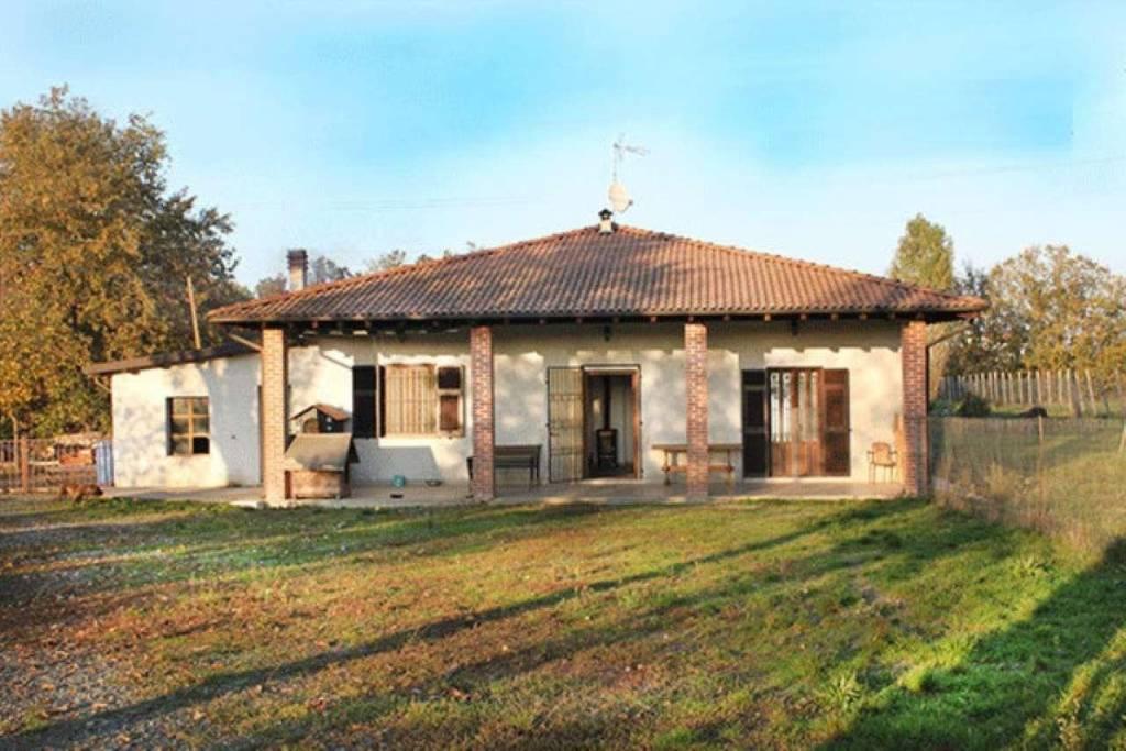 Soluzione Indipendente in vendita a Capriata d'Orba, 6 locali, prezzo € 160.000 | CambioCasa.it