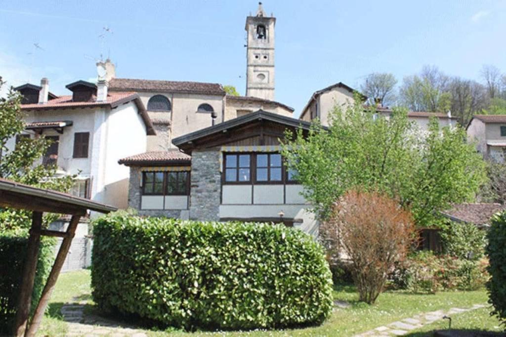 Villa in vendita a Grondona, 7 locali, prezzo € 550.000   CambioCasa.it