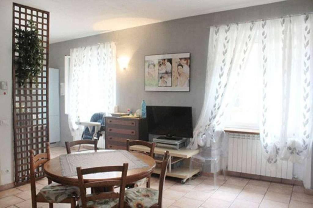 Appartamento in vendita a Ovada, 4 locali, prezzo € 130.000 | CambioCasa.it