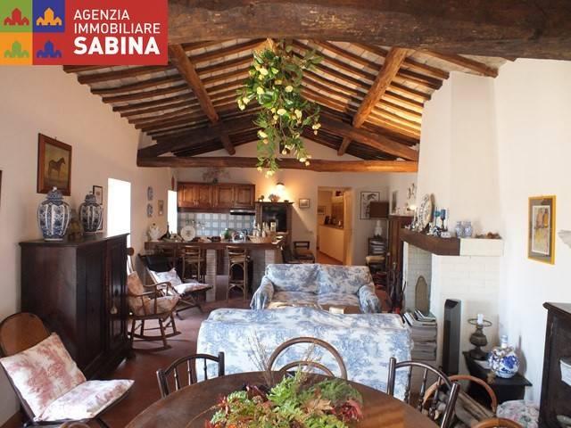 Appartamento in ottime condizioni parzialmente arredato in vendita Rif. 4191760