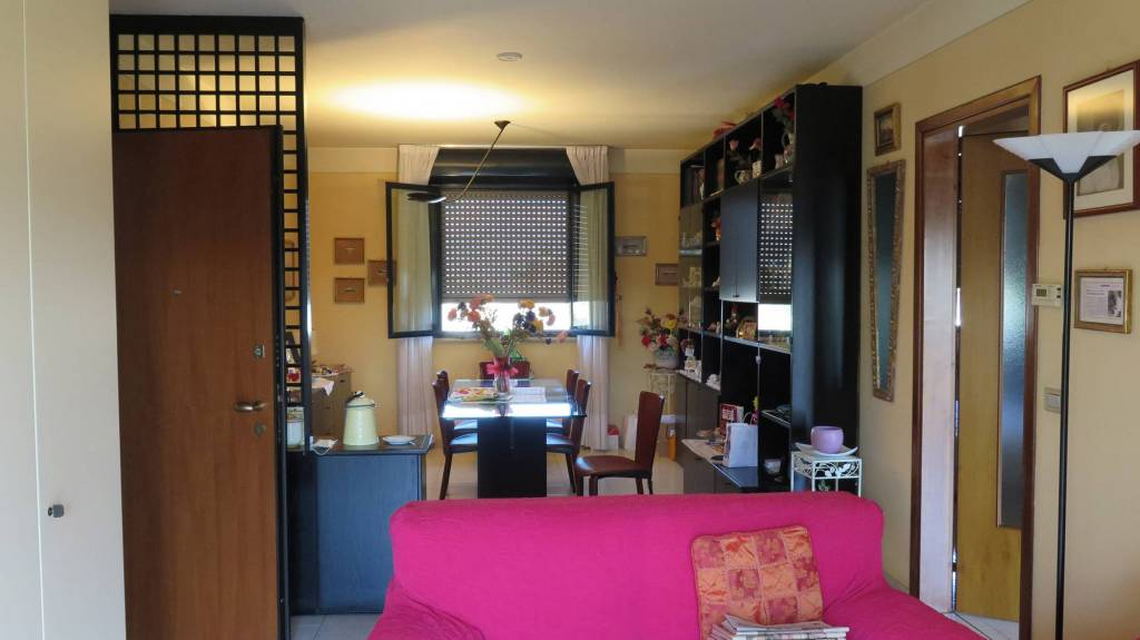 Appartamento in vendita a Locate di Triulzi, 3 locali, prezzo € 139.000 | CambioCasa.it