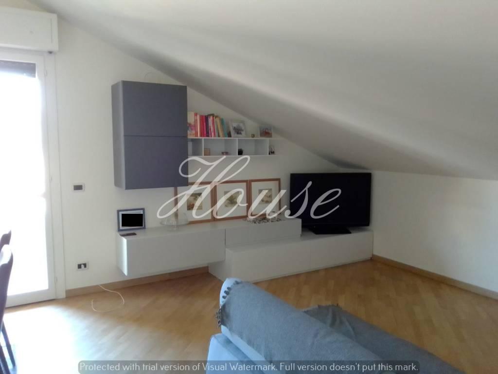 Appartamento in buone condizioni in vendita Rif. 6625814