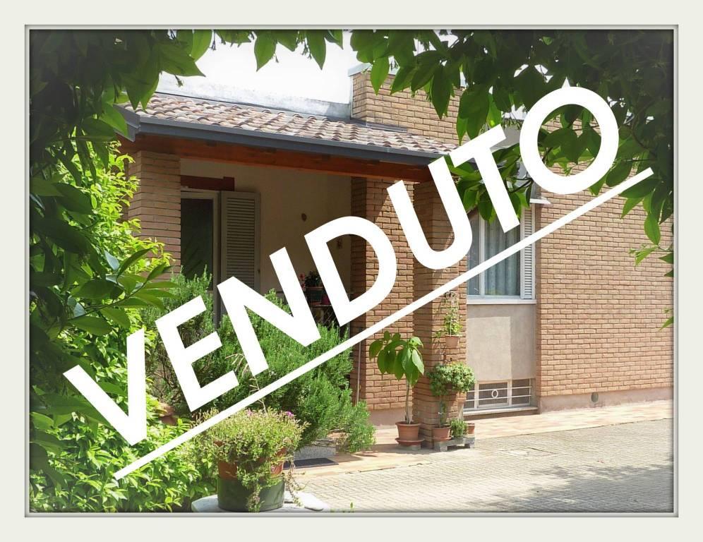 Villa in vendita a Olgiate Comasco, 5 locali, prezzo € 350.000 | PortaleAgenzieImmobiliari.it