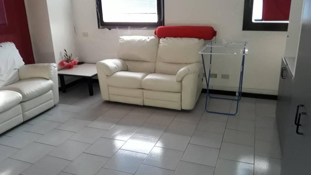 Appartamento in vendita a Como, 1 locali, zona Zona: 6 . Acquanera- Albate -Muggiò - , prezzo € 70.000 | CambioCasa.it