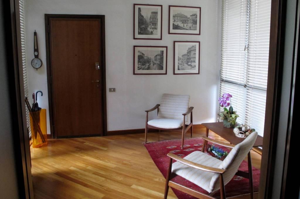 Appartamento in affitto a Monza, 6 locali, zona Zona: 2 . Parco, prezzo € 1.900 | CambioCasa.it