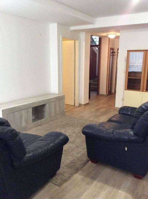 Appartamento in Affitto a Rimini Centro: 4 locali, 80 mq