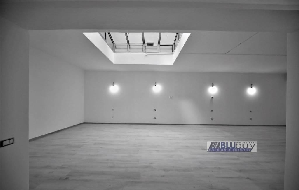 Appartamento in vendita a Como, 4 locali, zona Borghi, prezzo € 199.000 | PortaleAgenzieImmobiliari.it