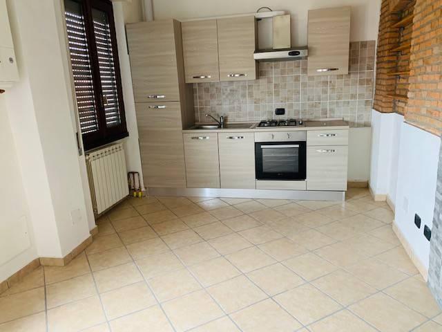 Appartamento in affitto a Binago, 2 locali, prezzo € 450 | CambioCasa.it