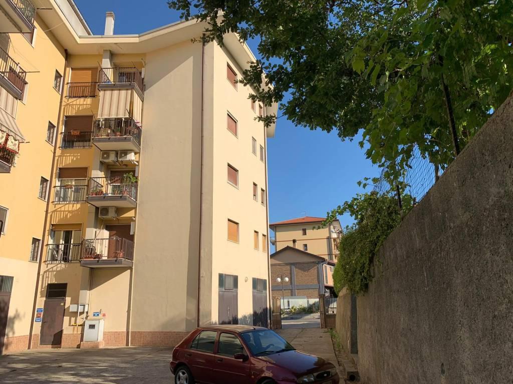 Comodo appartamento a Roges - Via Bari, foto 0