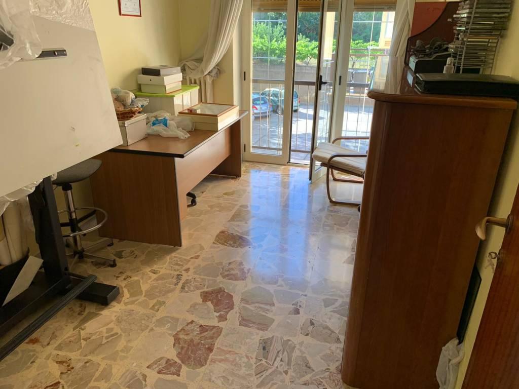 Comodo appartamento a Roges - Via Bari, foto 8