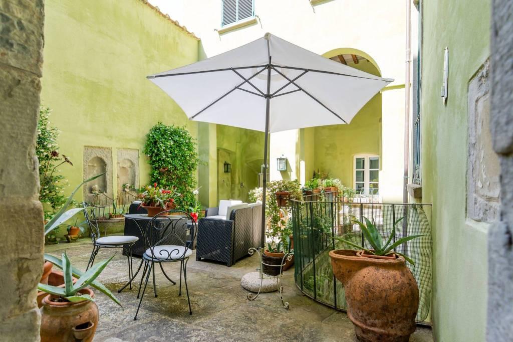 Appartamento in Vendita a Cortona Centro: 5 locali, 120 mq