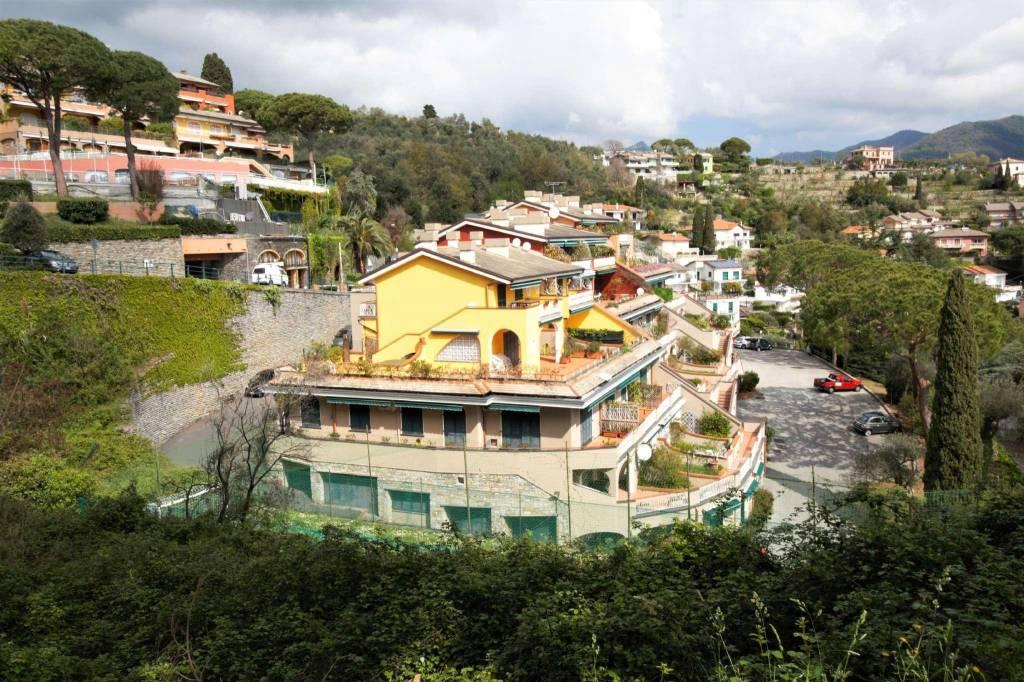 Appartamento in vendita a Rapallo, 3 locali, prezzo € 220.000   CambioCasa.it