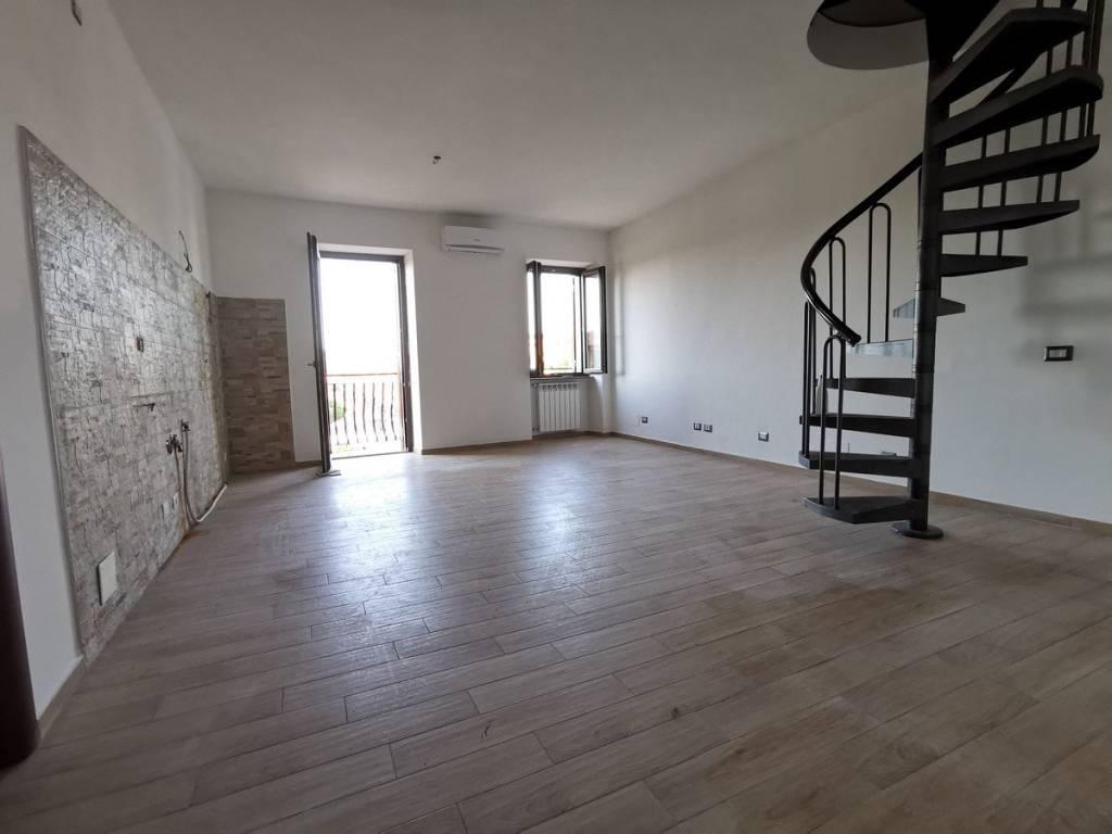 Appartamento in vendita a Marino, 4 locali, prezzo € 185.000 | PortaleAgenzieImmobiliari.it