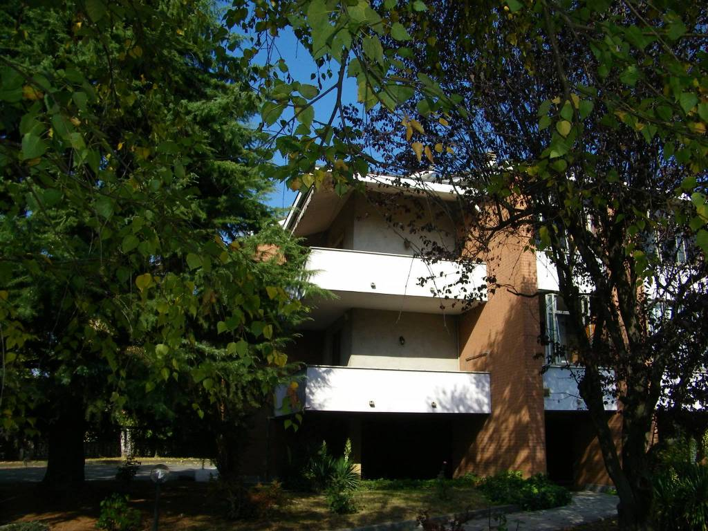 Appartamento in affitto a Santena, 4 locali, prezzo € 600 | CambioCasa.it
