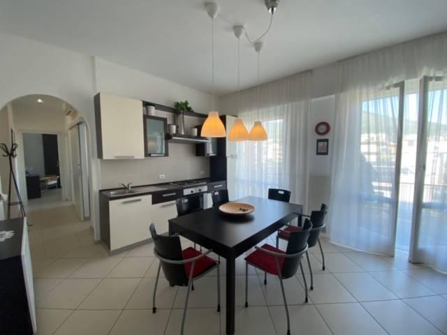 Appartamento in vendita a Spotorno, 3 locali, prezzo € 290.000 | CambioCasa.it