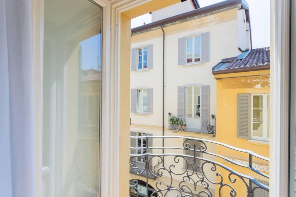 Appartamento in affitto a Como, 1 locali, zona Centro - Centro Storico, prezzo € 1.000 | PortaleAgenzieImmobiliari.it