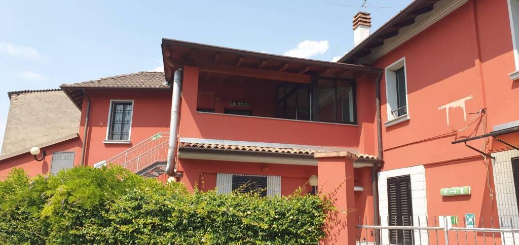 Attività / Licenza in affitto a Dovera, 4 locali, prezzo € 2.000 | PortaleAgenzieImmobiliari.it
