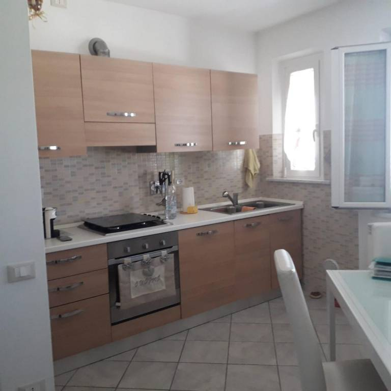 Casa indipendente in Affitto a Cascina Periferia: 4 locali, 80 mq