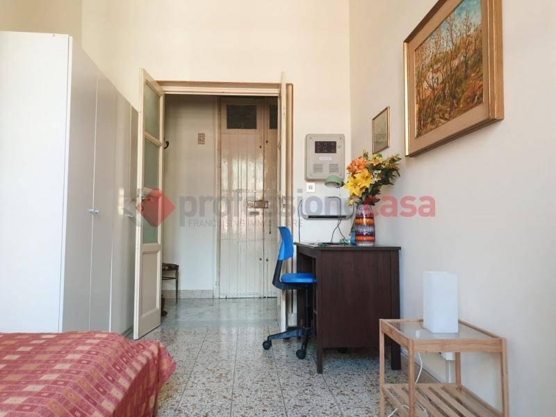 Appartamento in Affitto a Catania Centro: 5 locali, 140 mq
