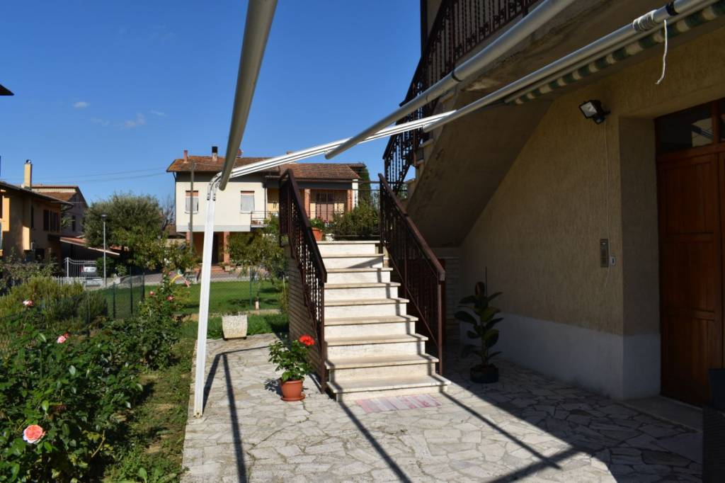 Villa in Vendita a Citta' Della Pieve Periferia: 4 locali, 120 mq