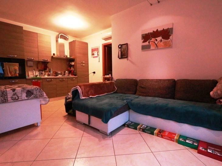 Appartamento in vendita a Mozzate, 2 locali, prezzo € 113.000 | CambioCasa.it