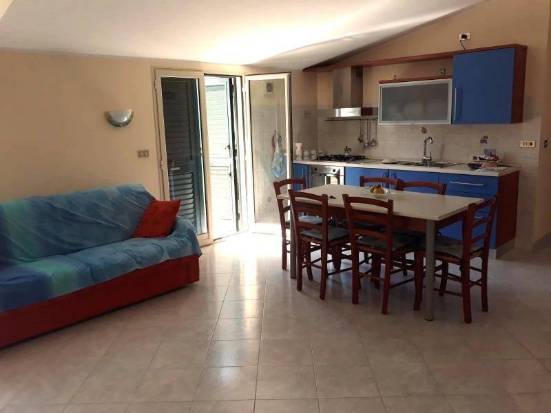 Appartamento in vendita a Venetico, 5 locali, prezzo € 95.000 | PortaleAgenzieImmobiliari.it