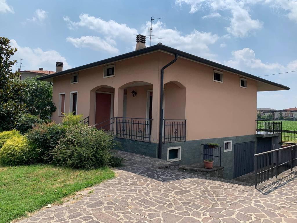 Villa in vendita a Cologno al Serio, 4 locali, prezzo € 299.000   PortaleAgenzieImmobiliari.it
