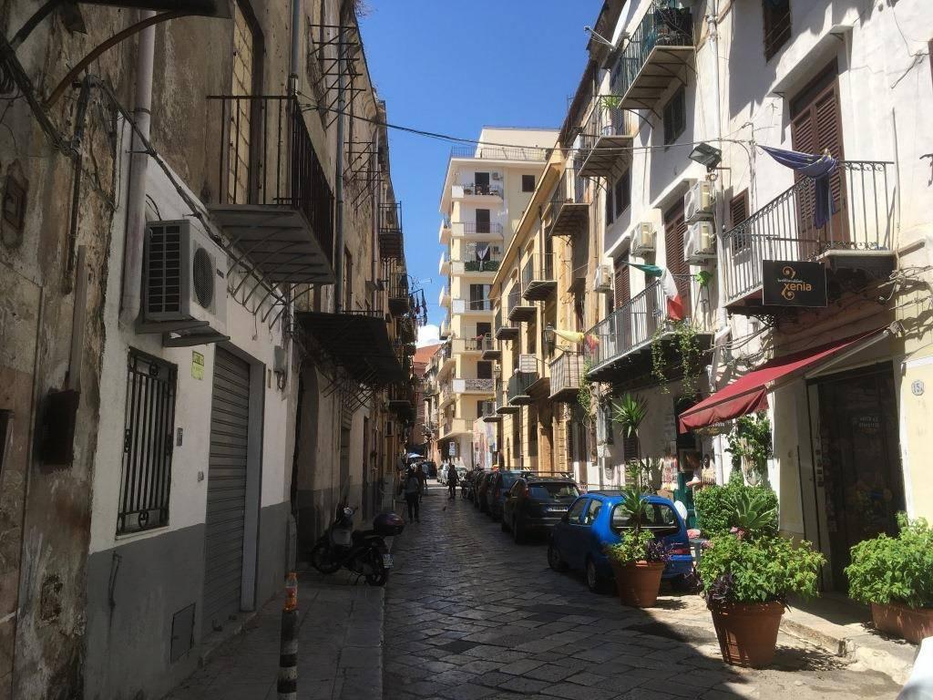 Negozio-locale in Vendita a Palermo Semicentro: 1 locali, 95 mq