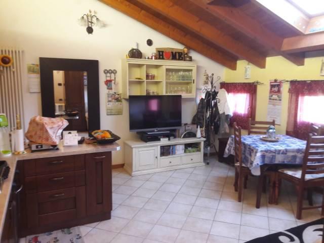 Appartamento in buone condizioni in vendita Rif. 6002326