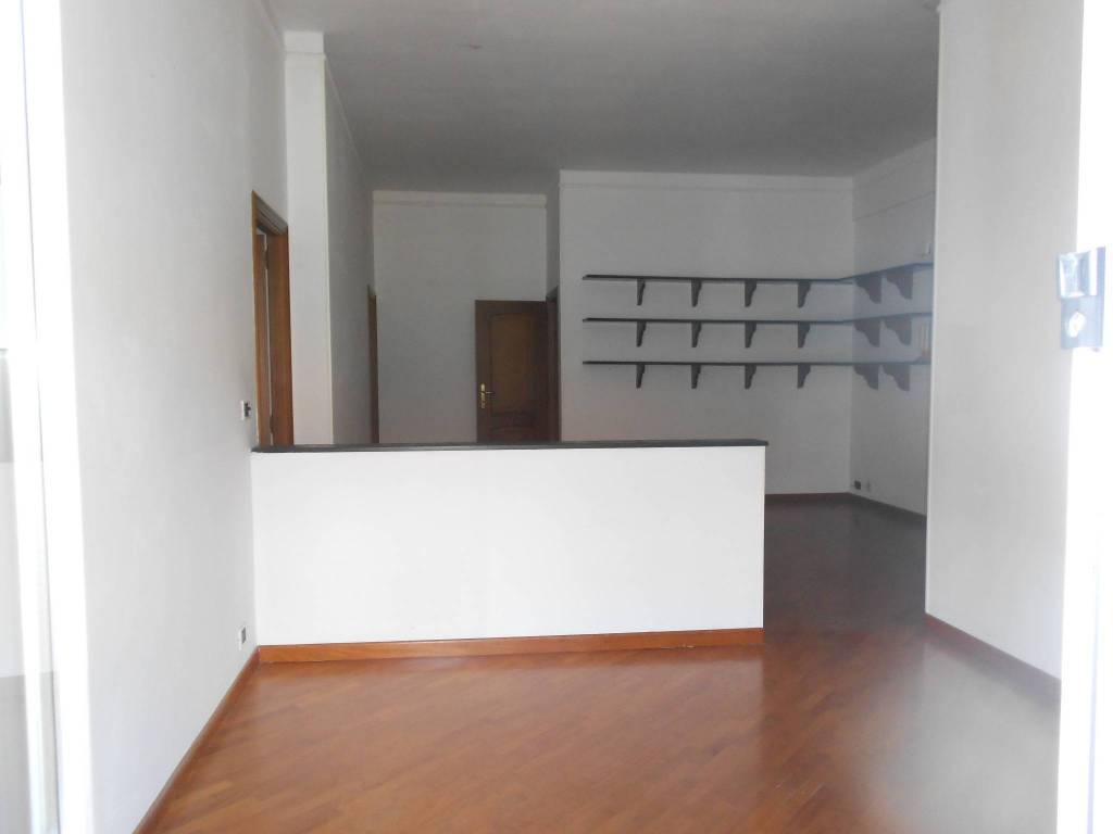 Appartamento in ottime condizioni in vendita Rif. 8004884