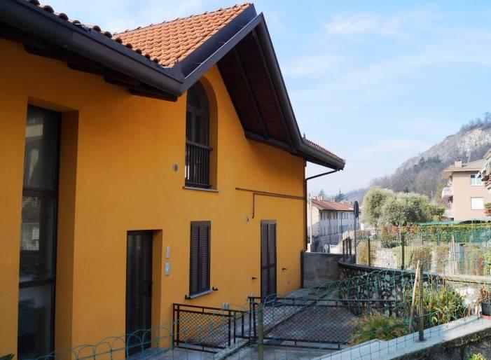 Appartamento in affitto a Caravate, 2 locali, prezzo € 370 | CambioCasa.it