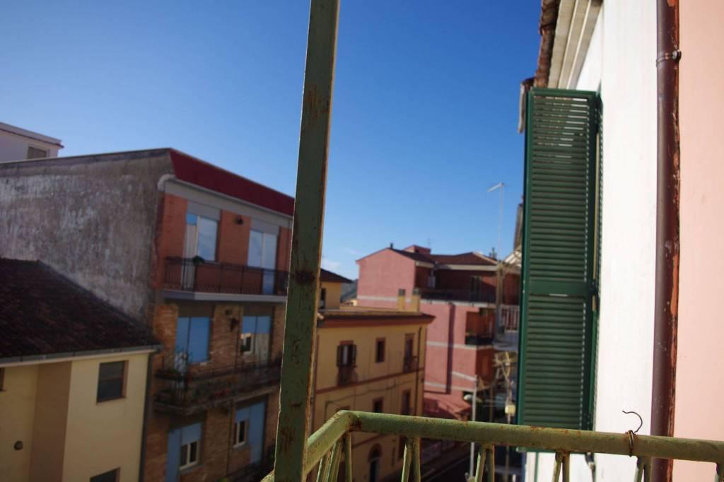 Appartamento in vendita a Casape, 2 locali, prezzo € 35.000   CambioCasa.it