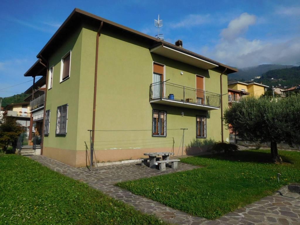 Appartamento in vendita a Pradalunga, 3 locali, prezzo € 150.000 | CambioCasa.it