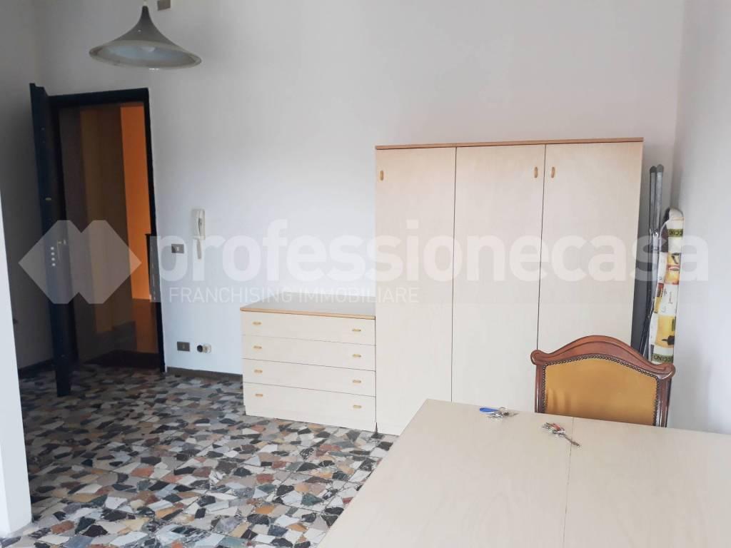 Appartamento in affitto a Legnano, 1 locali, prezzo € 500 | CambioCasa.it