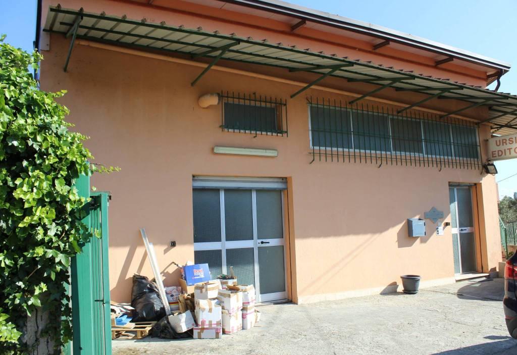Capannone in vendita a Catanzaro, 9999 locali, prezzo € 200.000 | CambioCasa.it