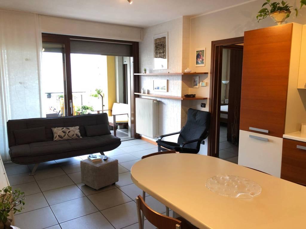 Appartamento in vendita a Cantù, 4 locali, prezzo € 235.000 | PortaleAgenzieImmobiliari.it