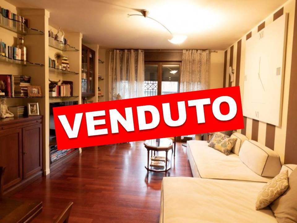 Appartamento in Vendita a Vignate: 3 locali, 100 mq