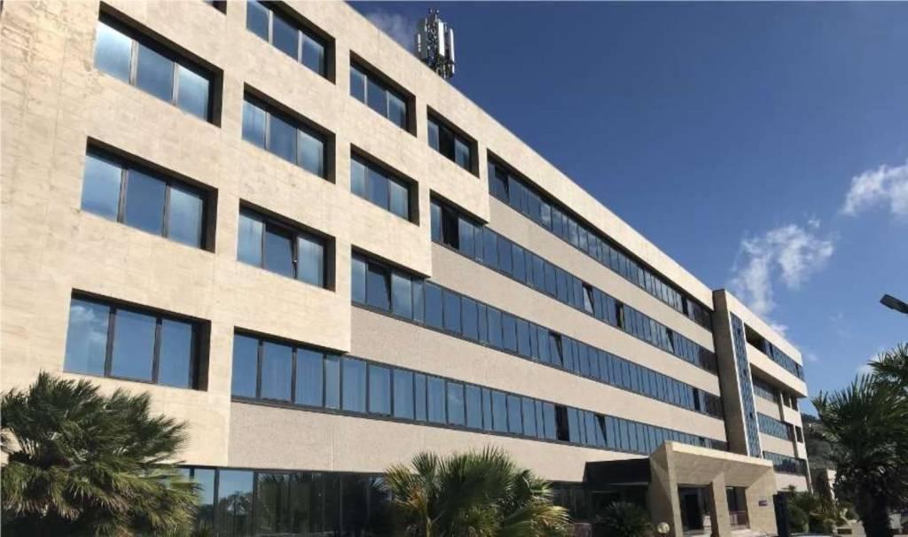 Palazzo / Stabile in vendita a Tiriolo, 9999 locali, prezzo € 12.000.000 | CambioCasa.it