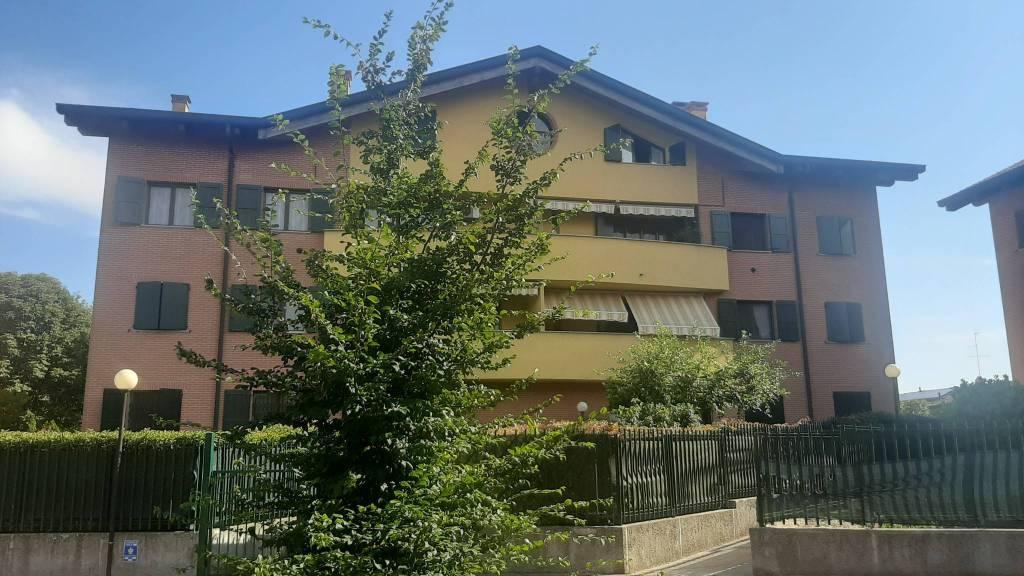Appartamento in vendita a Pantigliate, 3 locali, prezzo € 160.000 | CambioCasa.it