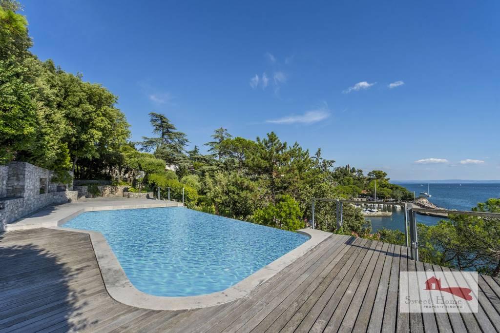 Villa in vendita a Duino-Aurisina, 7 locali, Trattative riservate   CambioCasa.it