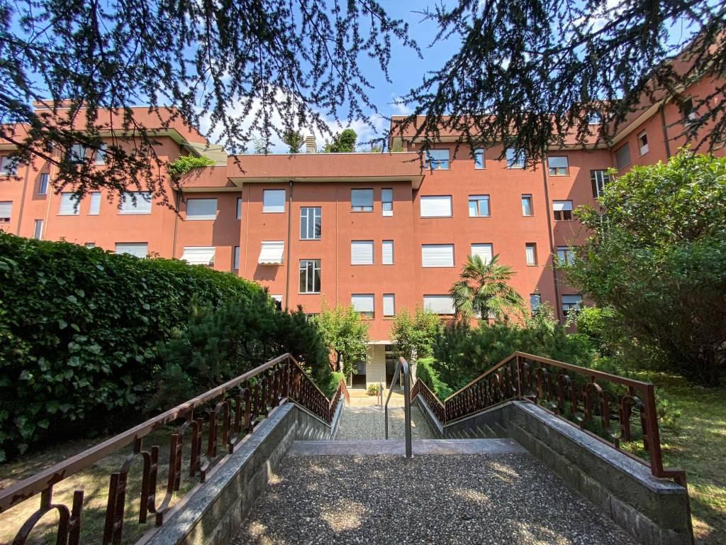 Appartamento in ottime condizioni in vendita Rif. 8897834