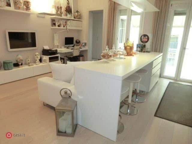 Appartamento in Affitto a Rimini Centro: 3 locali, 83 mq
