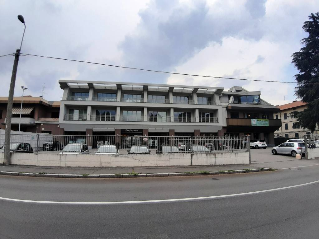 Ufficio / Studio in affitto a Castellanza, 3 locali, prezzo € 2.250 | PortaleAgenzieImmobiliari.it