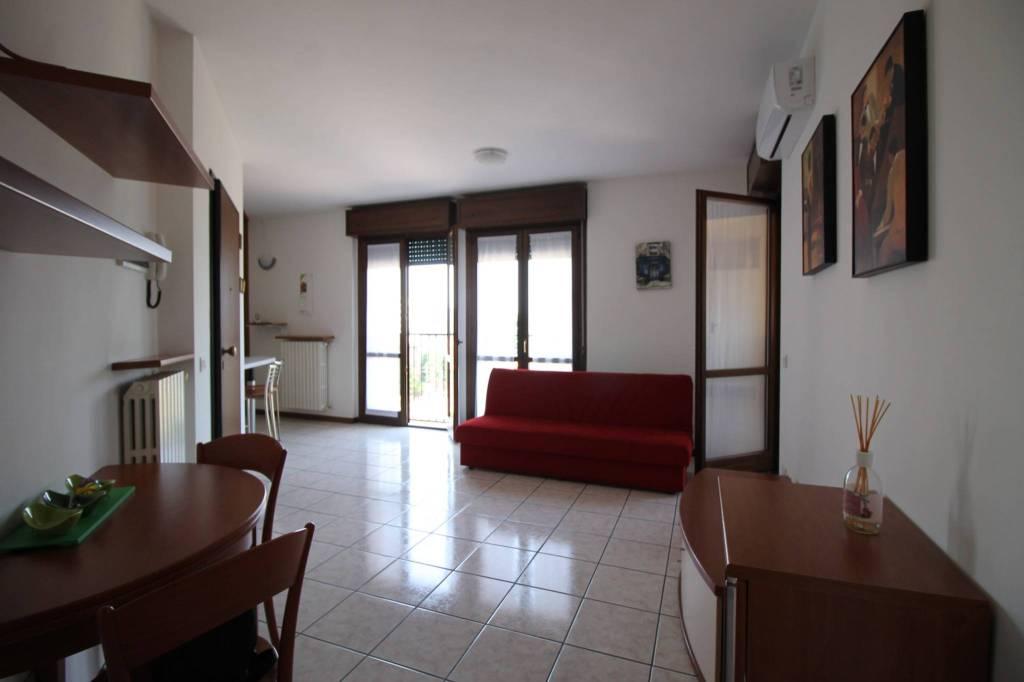 Appartamento in affitto a Gallarate, 2 locali, prezzo € 480 | CambioCasa.it