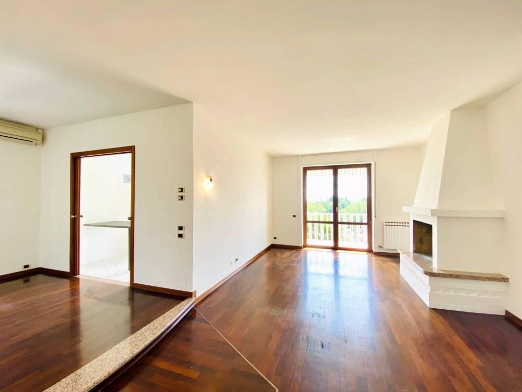 Appartamento in vendita a Casciago, 3 locali, prezzo € 193.000 | CambioCasa.it