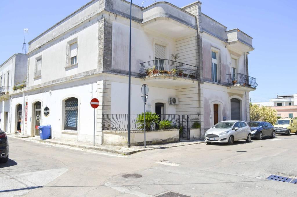 Negozio / Locale in vendita a Poggiardo, 4 locali, prezzo € 180.000 | CambioCasa.it