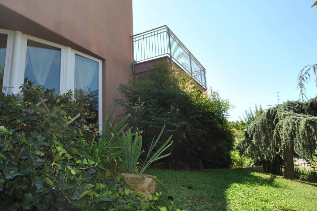 Villa in vendita a Guarene, 6 locali, prezzo € 325.000 | PortaleAgenzieImmobiliari.it
